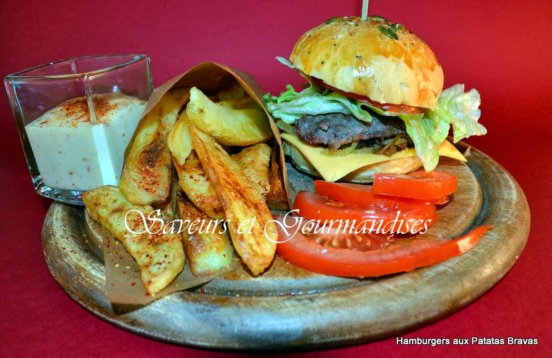 Hamburgers Maison aux Patatas Bravas.