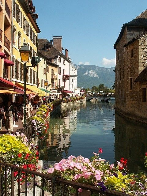 Most beautiful scenery in italy most beautiful places in for Blue piscine colmar