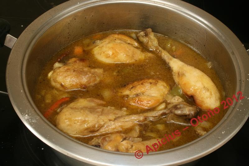 Muslos de pollo en salsa la cocina paso a paso - Muslitos de pollo ...