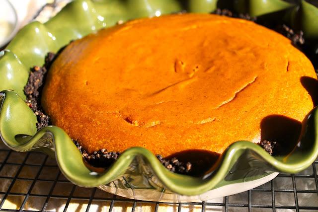 Black bottom peanut butter pumpkin pie treats with a twist for Pumpkin pie with a twist