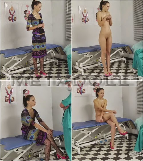 She women pissing at medical examination