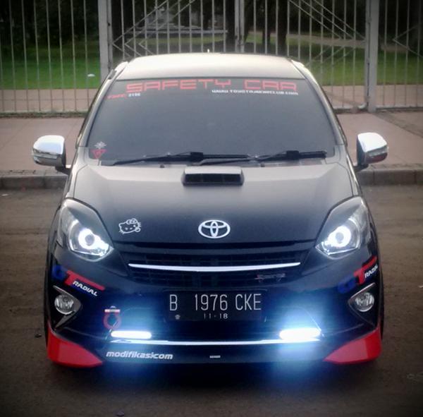 Dan Tak Heran Juga Kalo Mobil Ini Juga Sering Ada Di Ajang Modifikasi Mobil Yang Sering Di Adakan Di Beberapa Kota Besar Di Indonesia
