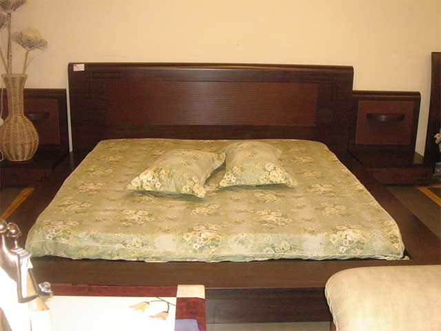 Indian wooden bed designs for Designes of bed