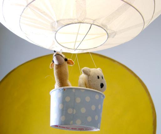 A zonzo per idee lampade mongolfiera per il bimbo for Lampadari per bambini ikea