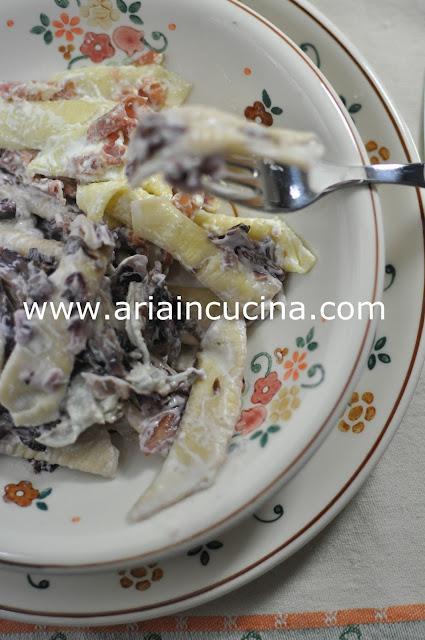 Blog di cucina di Aria: Maccheroni al pettine con radicchio, prosciutto croccante e tuma dla Paja