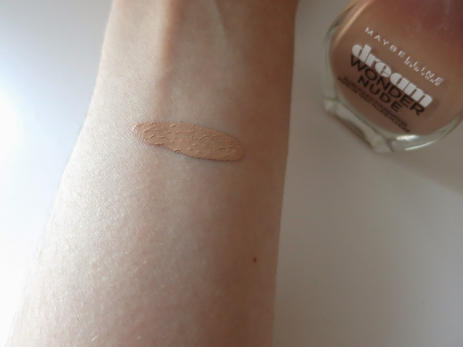 Fond de teint Dream Wonder Nude de Gemey Maybelline