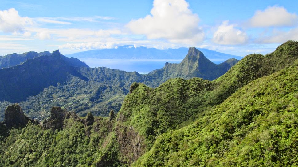 Tahiti vue du Mont Rotui