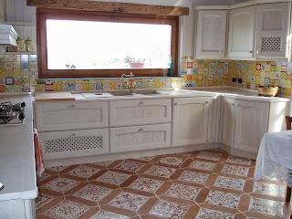 Vico condotti cucine e bagni in muratura - Mattonelle pavimento cucina ...