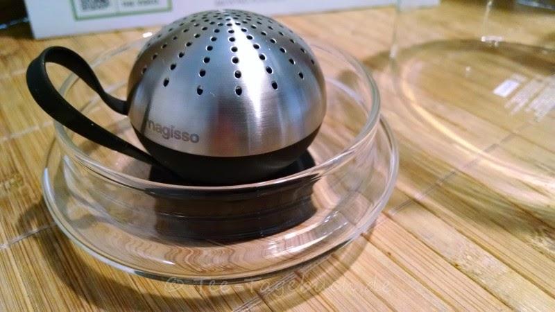 Magnetisches Tee-Ei von Magisso im Deckel