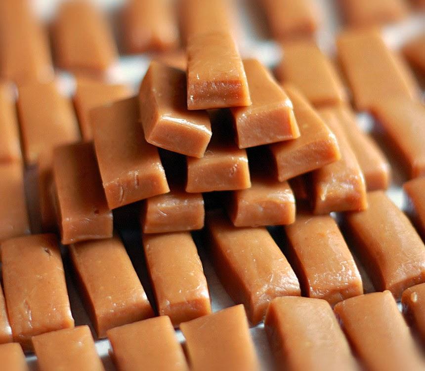 طريقة عمل حلوى الكراميل اللذيذة