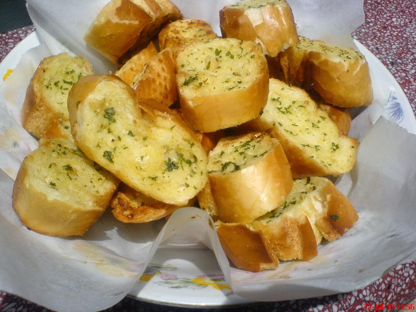 bánh mì bơ tỏi thơm giòn