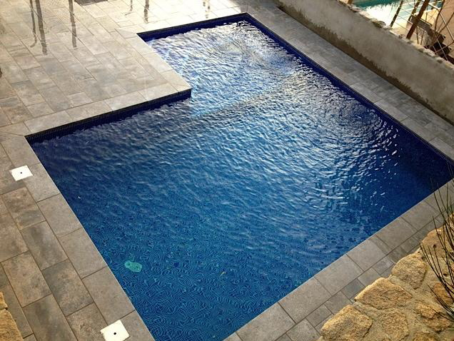 Rosa gres piscinas diferentes for Piscinas diferentes en madrid
