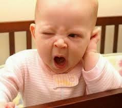foto bayi lucu menguap
