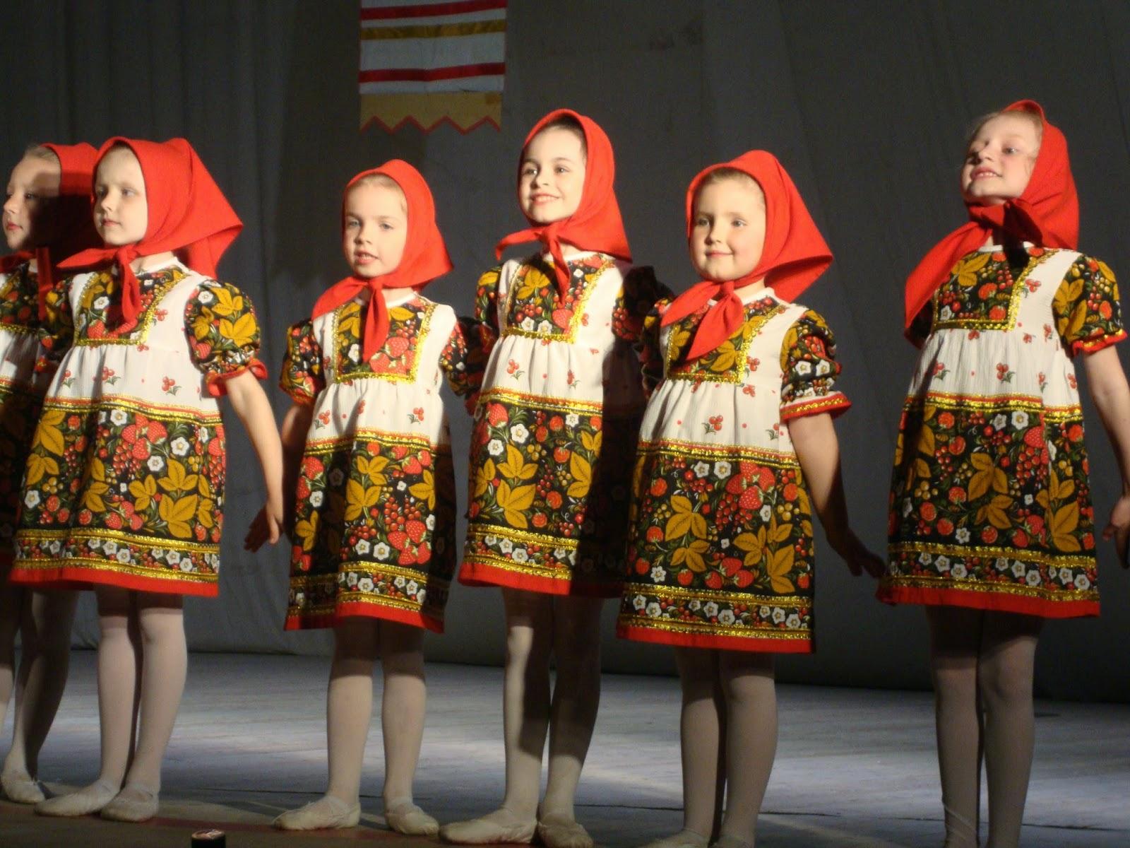 """Русские матрешки. Ансамбль танца """"Россияне"""""""