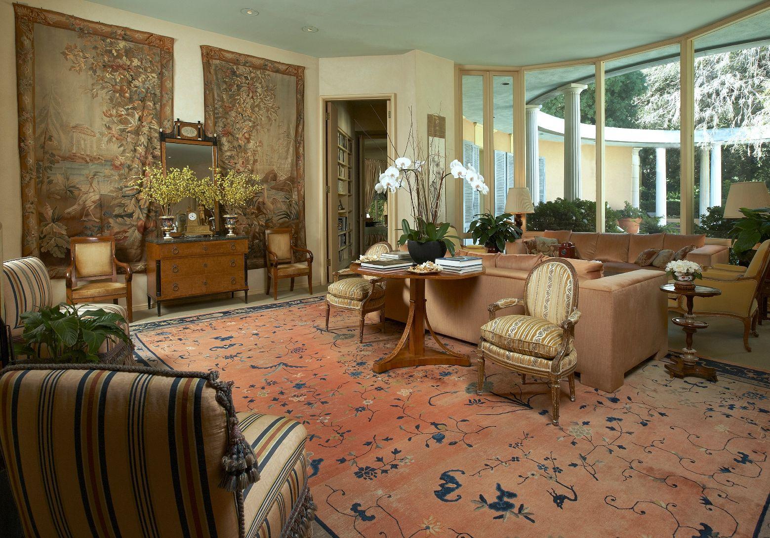 http://2.bp.blogspot.com/--qcWG3VtJW0/T8jaPYeSA3I/AAAAAAAAHJY/3uOcU1BXjXQ/s1600/Mengers-Home-Interior3-small.jpg