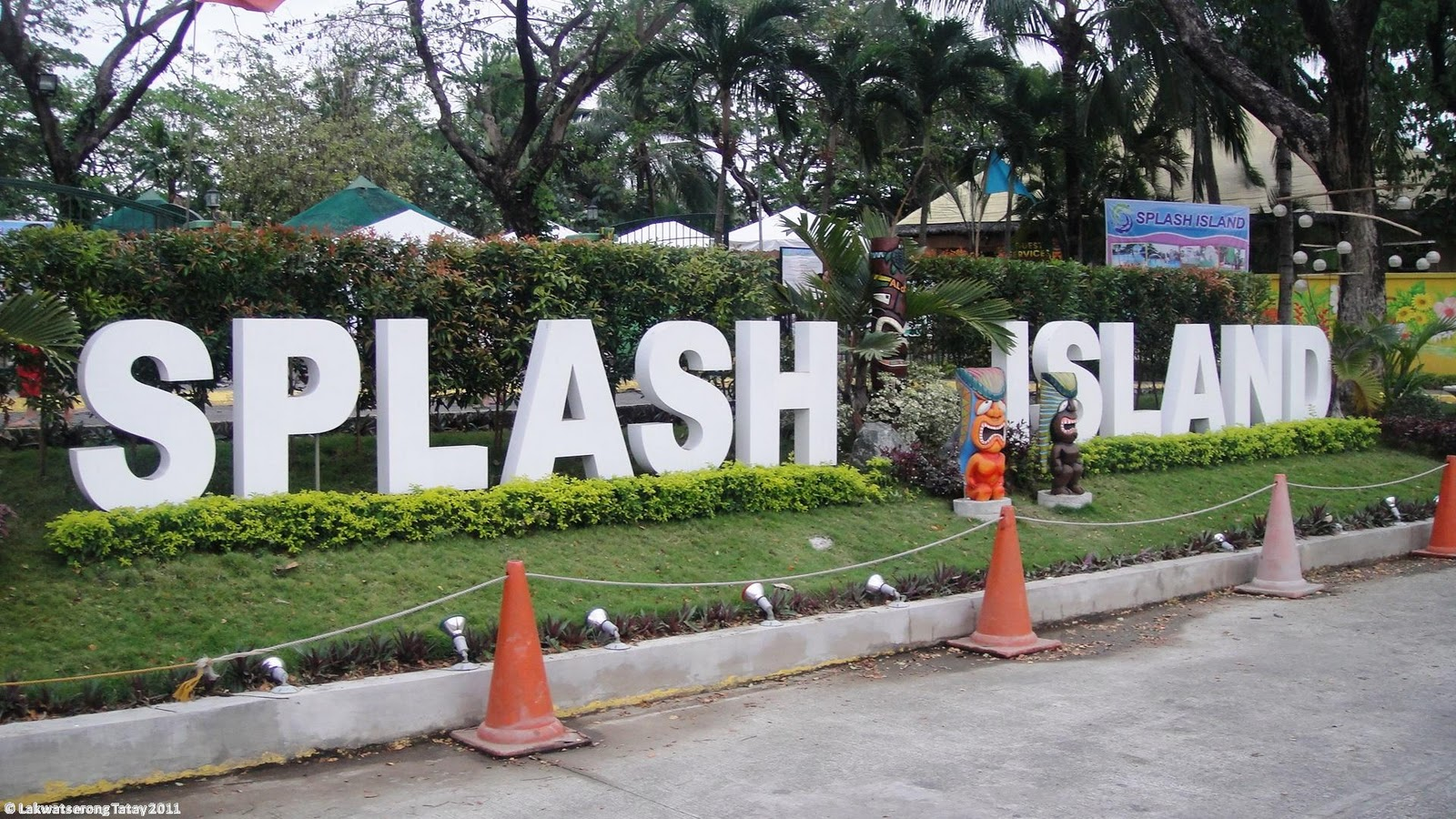 Meet the x plorers splash island spa resort for Jardin de dasmarinas 2016