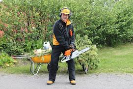 Talonmiespalvelu taloissa ja puutarhoissa muutoissa ja kantoapuna talonmiespalvelu@gmail.com