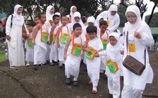 TK Bina Insan Mandiri Gelar Peragaan Manasik Haji