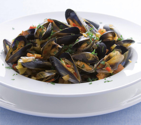 Mussels with spicy tomato sauce Recipes