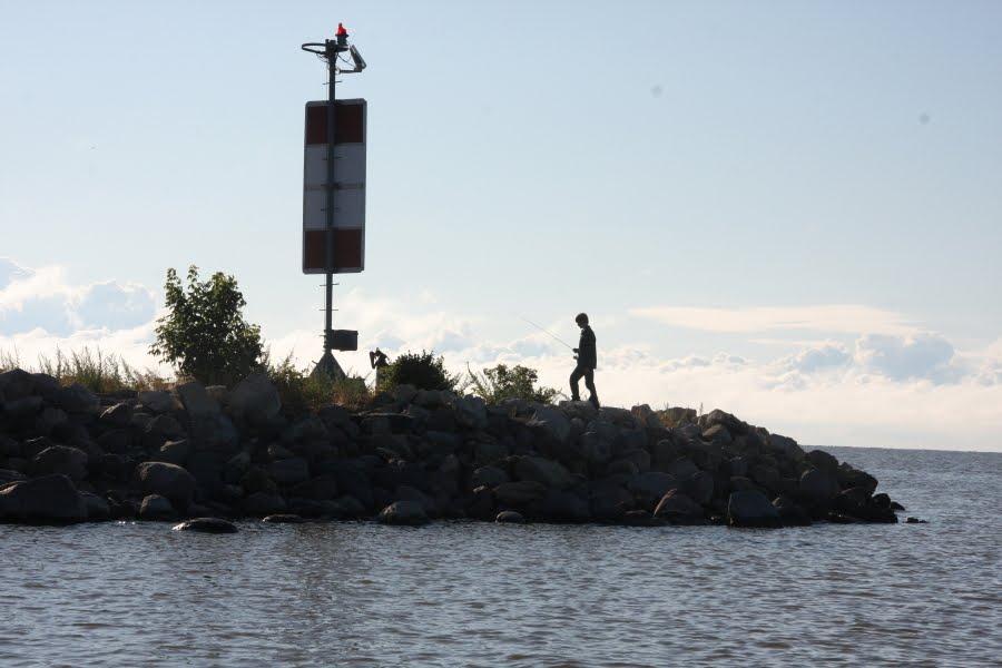 The complete angler summertime on lake winnipeg for Lake winnipeg fishing report