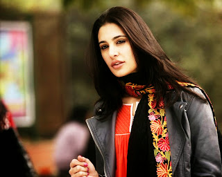 nargis fakhri is a pakistan american fashion model so cute