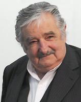 Do Chile, presidente Mujica diz que Lula sabia do mensalão