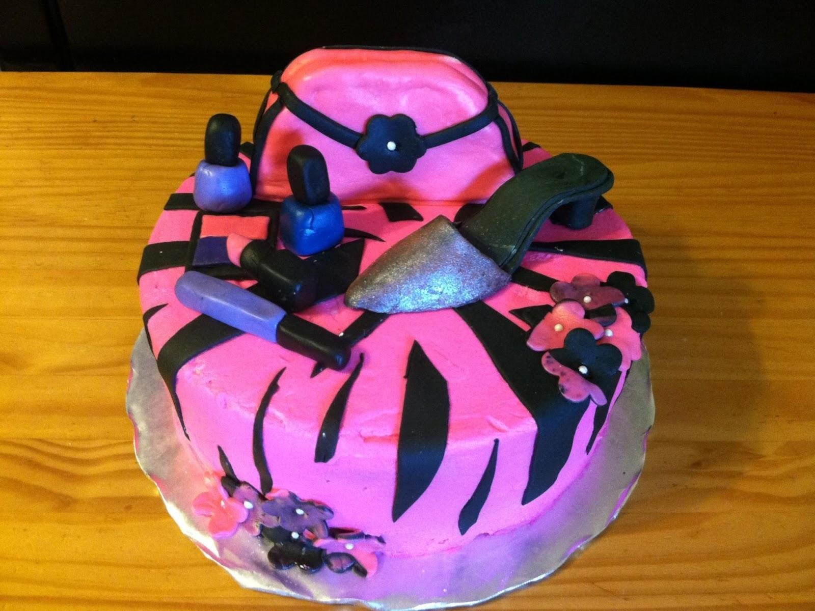 YAYA CREATIONS 3 Diva Cake