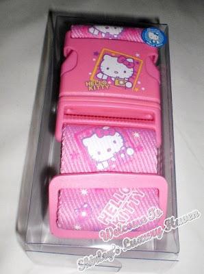 hello kitty luggage shopping in hong kong