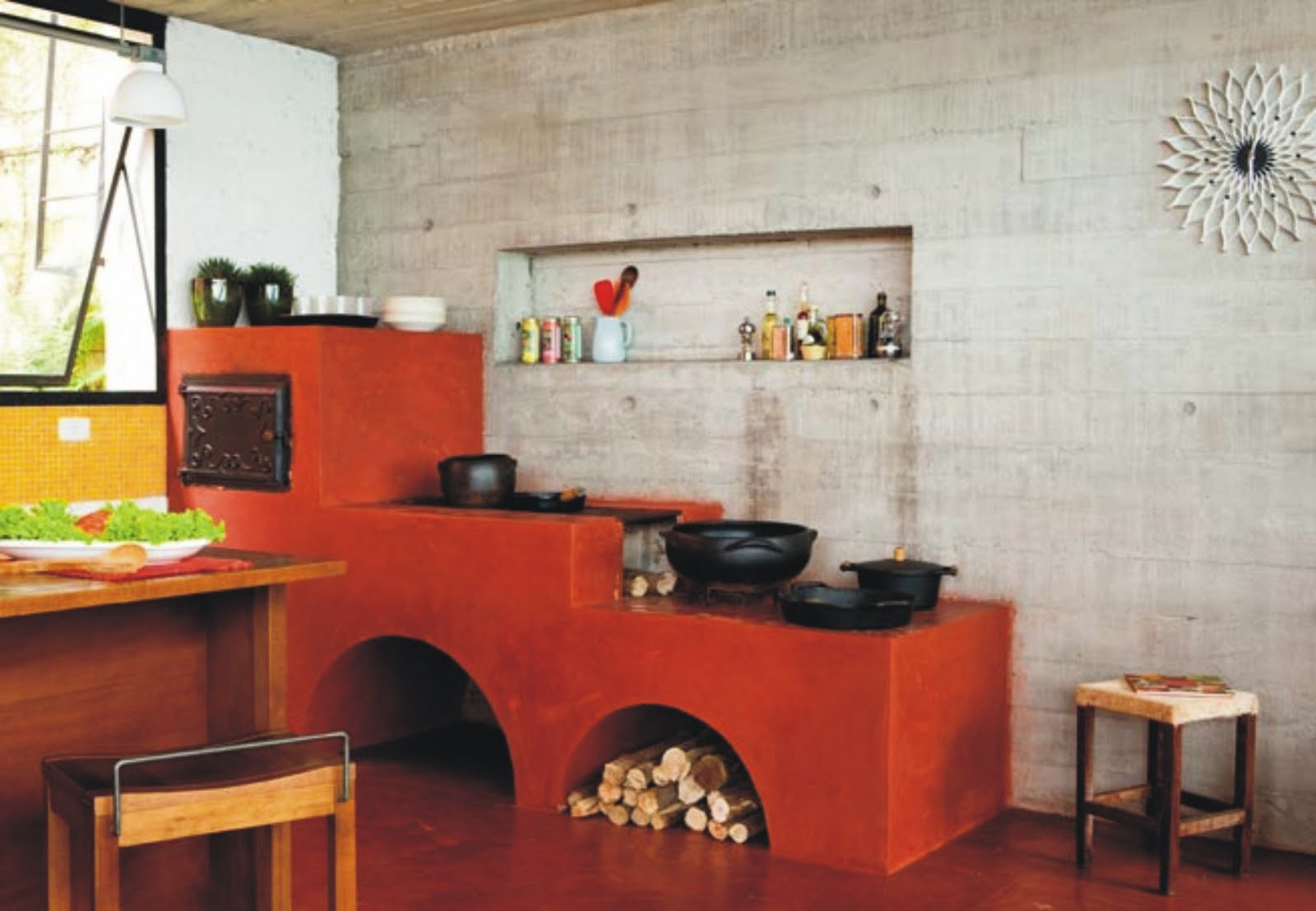 tradicional cimento vermelhão no fogão e piso. O toque moderno  #B48F17 1600x1107 Banheiro Com Bancada De Cimento Queimado