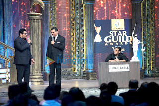 Salman Khan promotes 'Jolly L.L.B.' with Boman & Arshad at the 'Star Guild Awards 2013'
