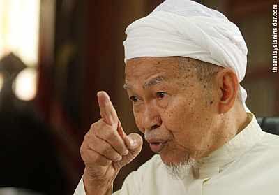 Nik Abdul Aziz selar Mahathir