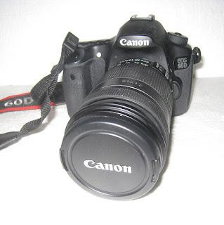Canon Eos 60D + Lensa 18-135mm
