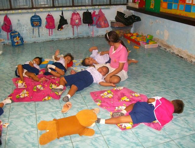 Enfants dans une crèche à Ko Kret.
