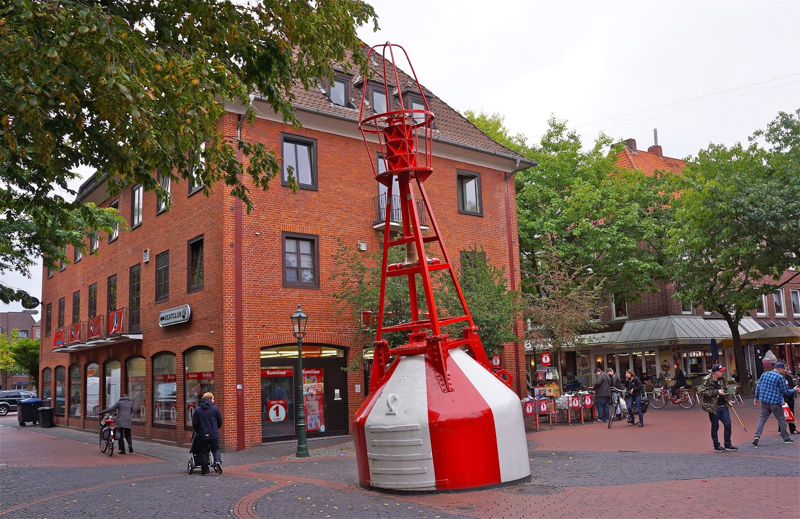 Picture of navigational buoy in Emden, Germany.