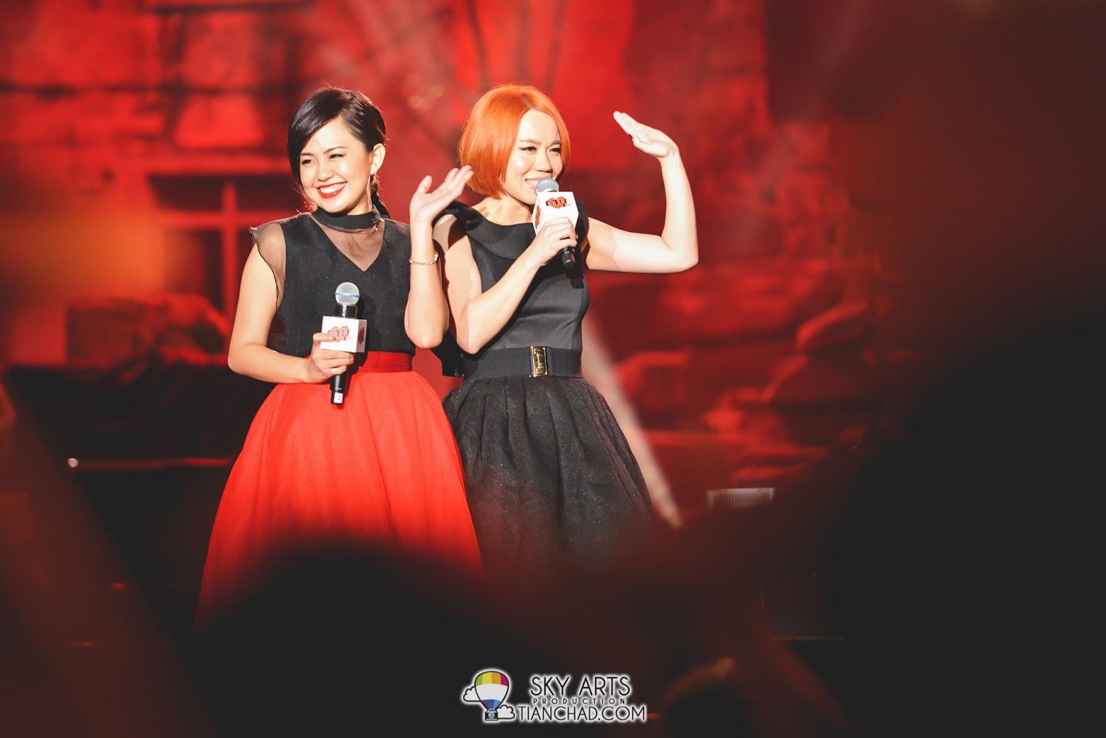 "Amy王明丽 & Athena 马嘉轩 演唱了 ""不哭了"", ""Mr Right Now"", ""My Destiny"""
