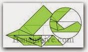 Bước 13: Mở lớp giấy trên cùng ra, kéo và gấp lớp giấy về bên trái.