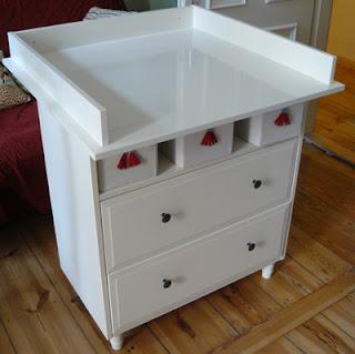 the life of little pearl wickelkommode und babybettchen. Black Bedroom Furniture Sets. Home Design Ideas