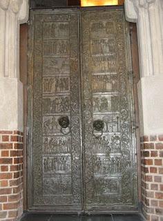 Drzwi w katedrze gnieźnieńskiej