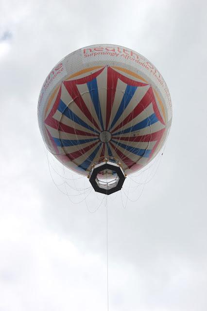 georgina-minter-brown-georgie-frequencies-holiday-bournemouth-birthday-trip-sea-coast-ocean-balloon