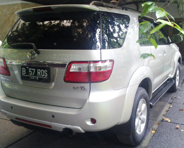 Jual Toyota Rush G Lux MT Silver 2011