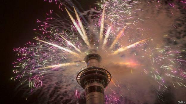 Menara jam raksasa di ibu kota Selandia Baru