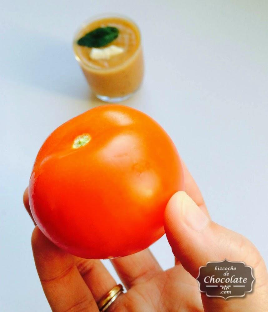 crema fria de tomate y albahaca
