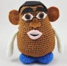 http://translate.google.es/translate?hl=es&sl=en&tl=es&u=http%3A%2F%2Fsquirrelpicnic.com%2F2014%2F07%2F10%2Fmake-it-challenge-9-mr-potato-head-vip-very-important-potato-edition-crochet-pattern%2F%23more-4102