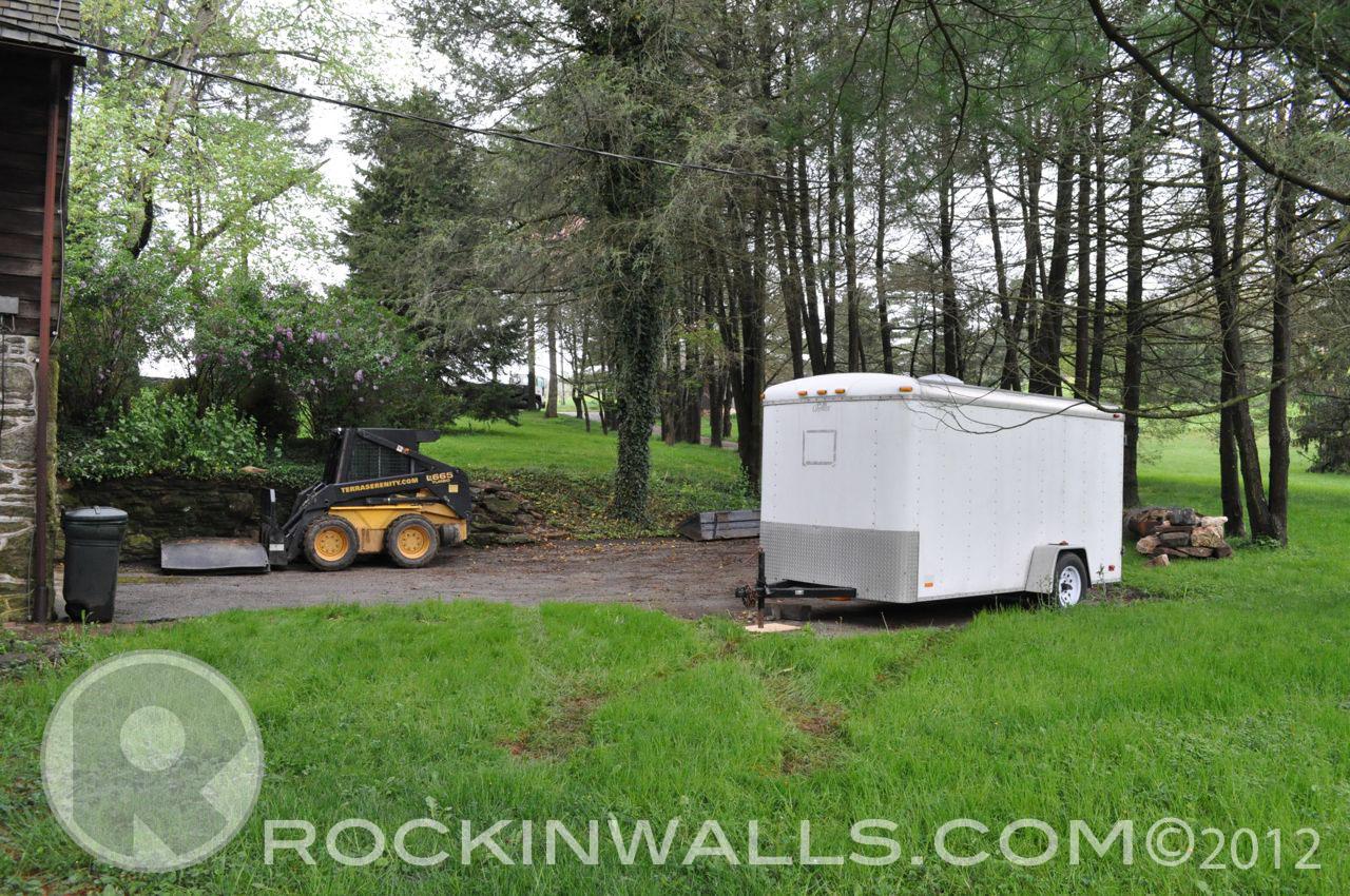 http://2.bp.blogspot.com/--sVATRTM3zU/T-Uq7-D-VAI/AAAAAAAACOI/Wcgnmzu1Y7E/s1600/WM+3+Job+Site+Glenville+Dry+Laid+Stone+Retaining+Wall.jpg