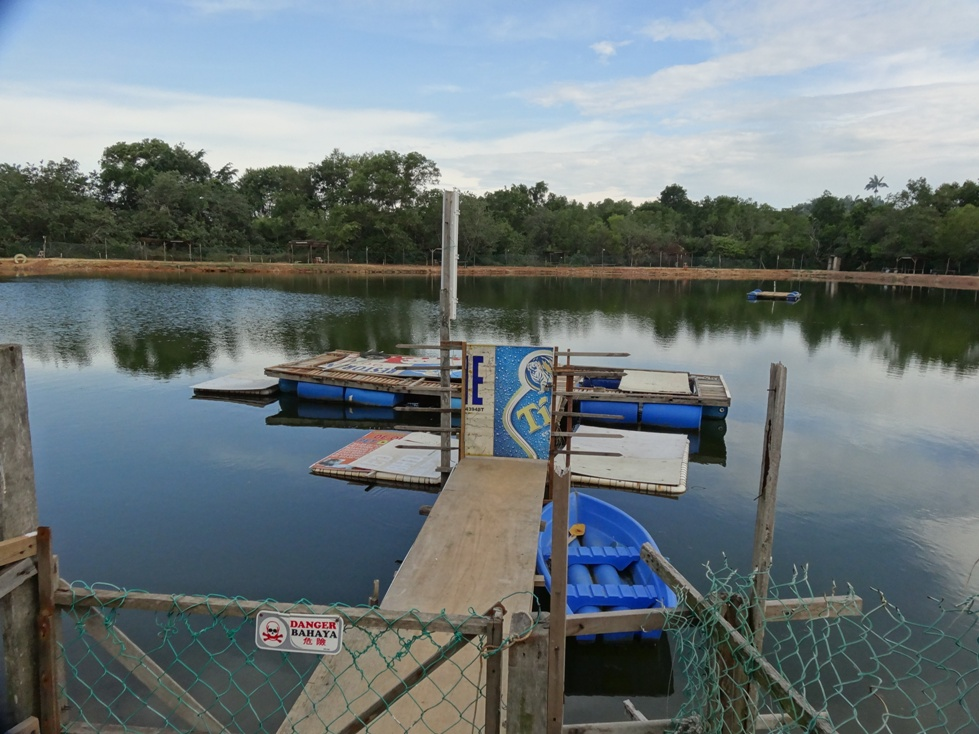 Fishing spots in negeri sembilan kuala lukut saltwater for Fishing pond