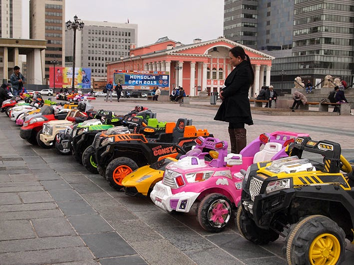 Toy cars on Chinggis Square