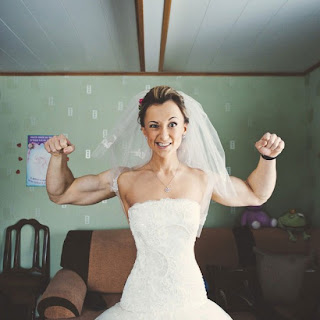 bodybuilder bride optical illusion
