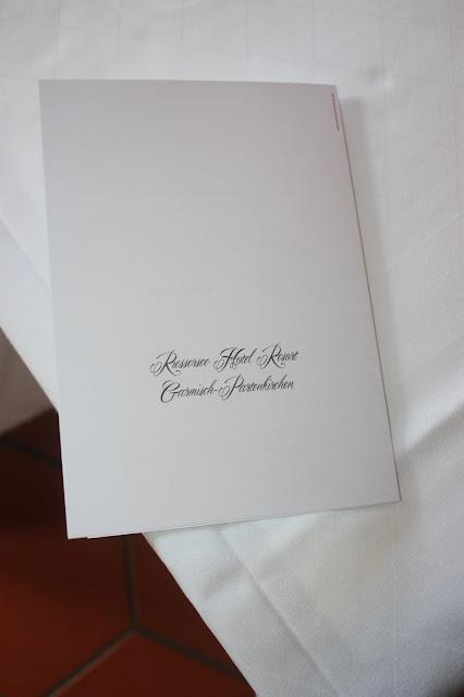 Menükarten zur Hochzeit - Herzschlag von die Kartenmacherei in Beeren-Pink