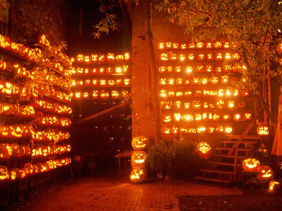 halloween lighting. Throw The Perfect Halloween Party: Ideas On Food, Decor, Entertaining And Lighting