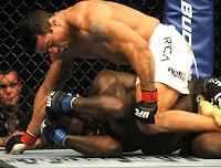UFC 142 Rio - Vitor Belfot finaliza